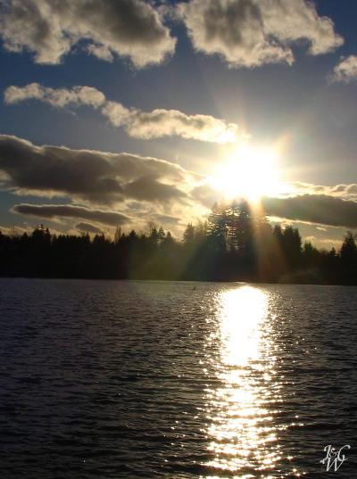 39- Sunrays over Mill Lake